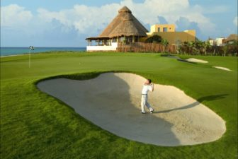 Discover a natural paradise while you play golf