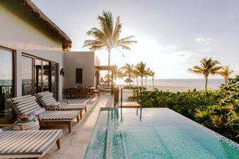 Take a sunbath in the paradisiac beach while enjoying the ALL Live Limitless benefits at Fairmont Mayakoba