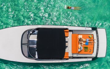Todo lo que necesitas es un yate y el mar